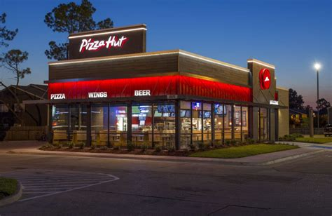 Pizza Hut Enters the Fast-Food Price War With $5 Menu