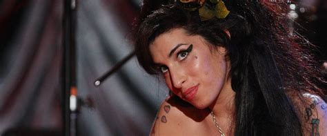 Valerie Bass Tab - Amy Winehouse | ULTIMATE-TABS